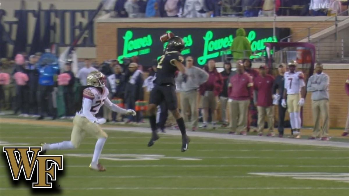 Wake Forest's Kendall Hinton Makes A Outstanding 1-Hand Grab