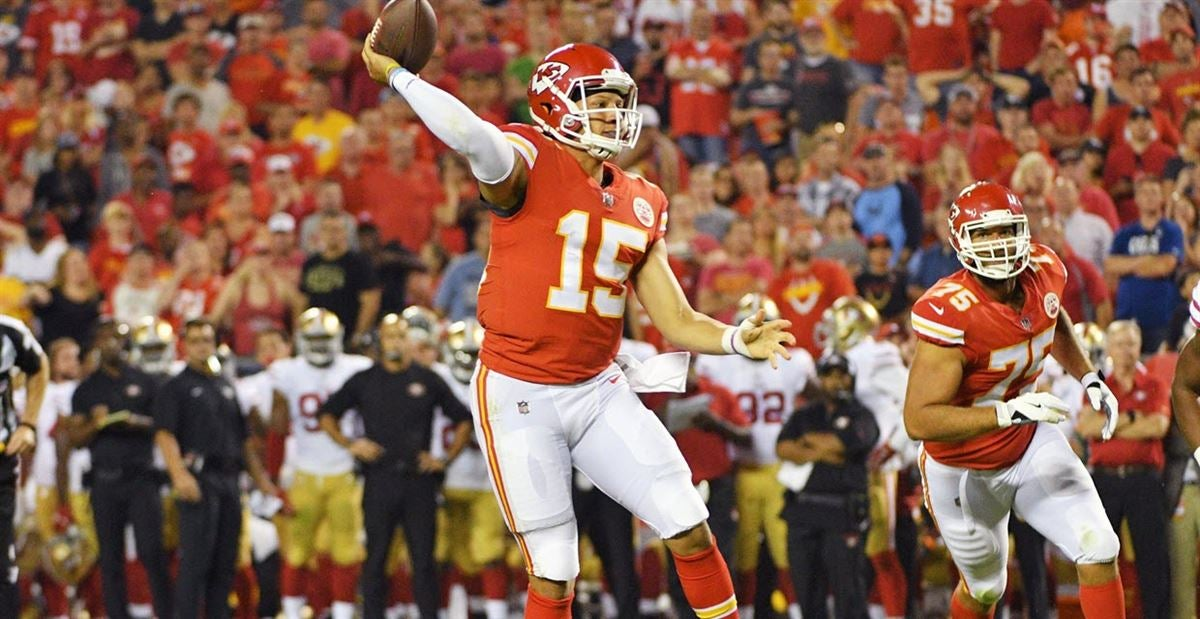 Patrick Mahomes Needs to be on Your Fantasy Team in 2018