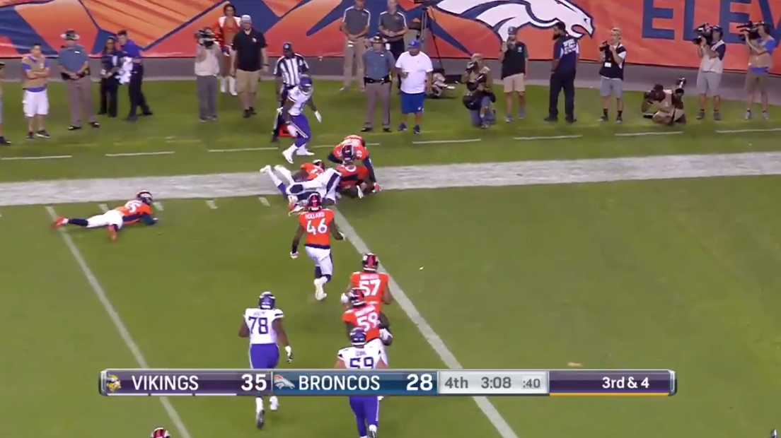 Kyle Sloter scores with legs in return to Denver