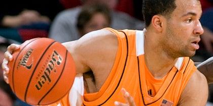 Lofton talks Rick Barnes, Tennessee basketball and the shot