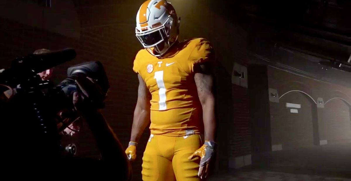 uk availability 21ee7 0b034 WATCH: Vols tease orange pants, black shoes in photo shoot