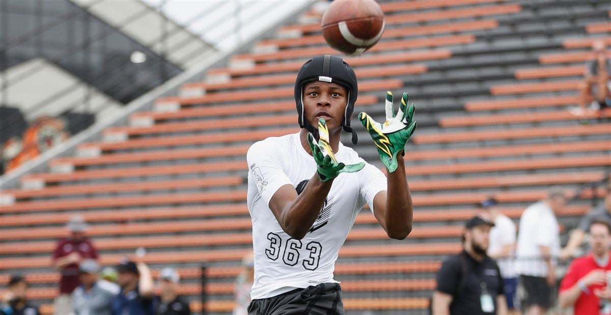 2019 WR commit Mosley goes from recruit to recruiter