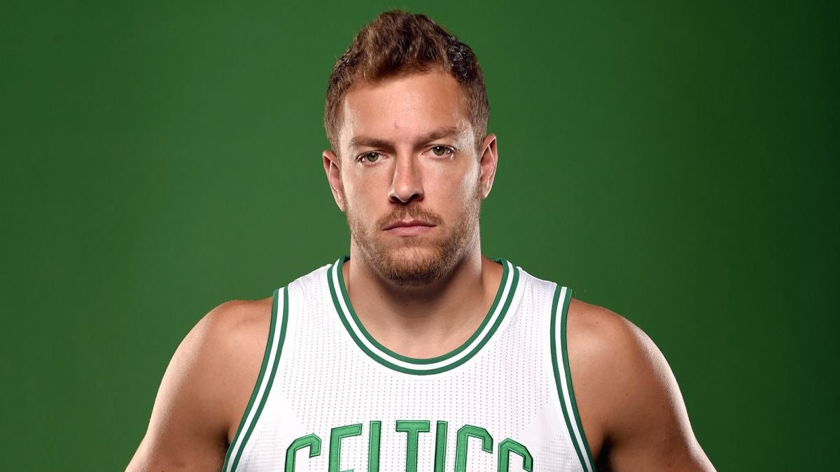 Mavs Plan Sunday Signing David Lee Post Buyout News
