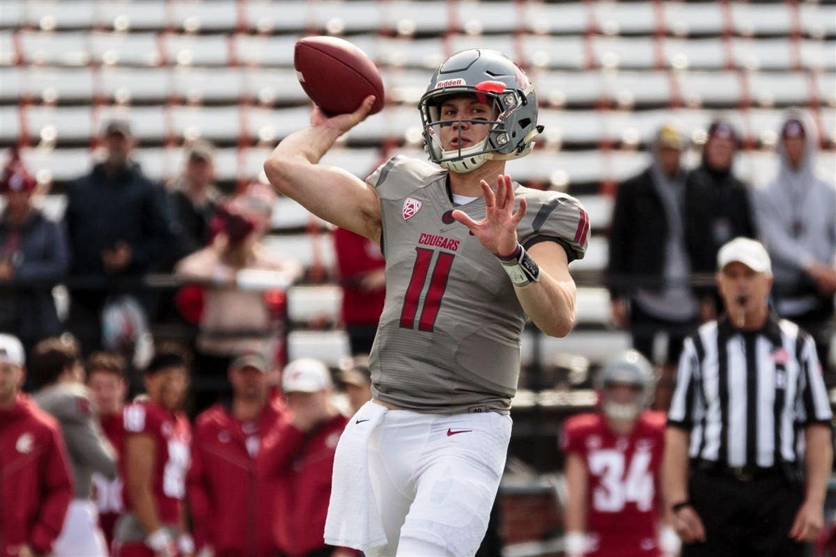 Washington State quarterback John Bledsoe enters transfer portal
