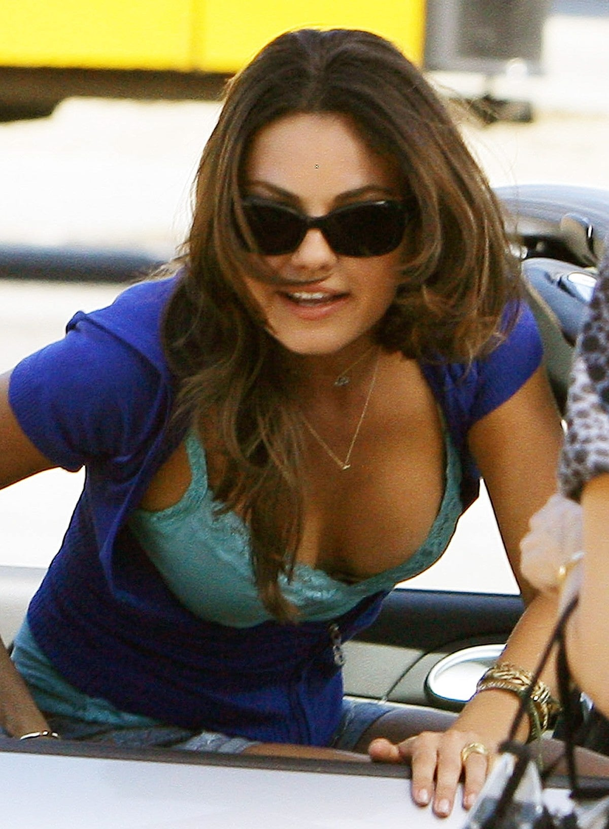 Cleavage Mila Kunis naked (91 photo), Paparazzi