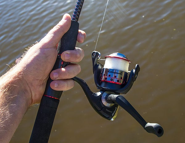 Shakespeare Ugly Stik GX2 Rod and Reel Combo - Wired2Fish com